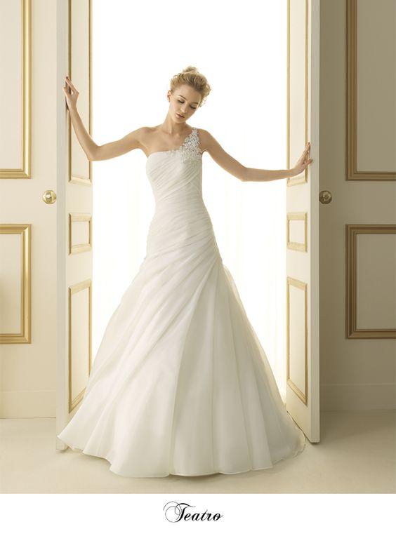 - theatro -Robes de mariée - Boutique Coeur de Mariage Paris  Robe ...