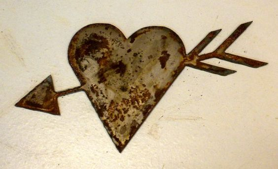 Heart with Arrow Shape 6 inch Cupid Rusty Vintage Antique-y Metal Steel Wall Art Ornament Craft Jewelry Scrapbook Stencil Sign
