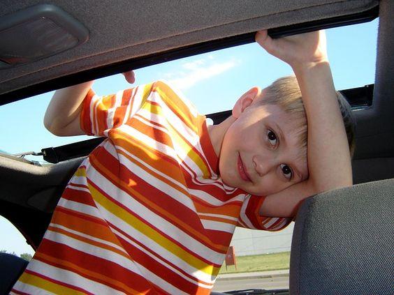 """Langeweile auf Fahrten sorgt schnell für eine angespannte Stimmung (Bild: ©pixabay) Wer mit Kleinkind in den Urlaub fahrenwill, steht meist vor der Frage: """"wie beschäftige ich mein Kind während der Fahrt zum Urlaubsort?"""" Je länger die Fahrt da [...]"""