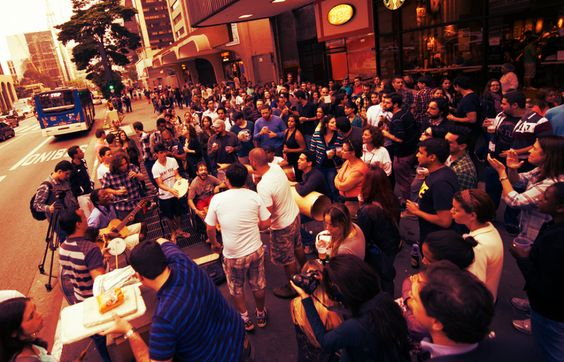 Nova edição da churrascada que acontece em plena Avenida Paulista convida todos a aproveitarem música, diversão e muita carne.