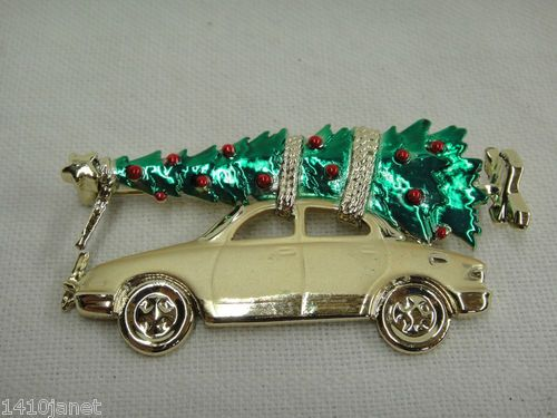 """Bringing Home the Christmas Tree on Gold Car Brooch 3"""" Decorated Unsigned As Is:"""