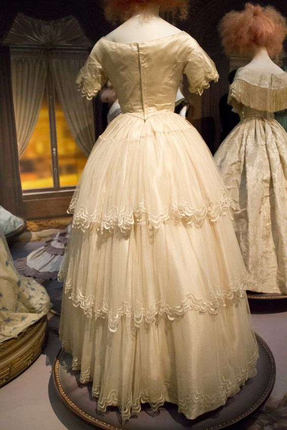 Gemeentemuseum the Hague, exhibition on 19th century fashion. 1850