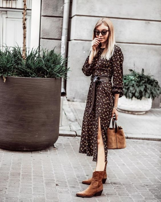 #Western Boots street style #и #каз #казаками #лук #Осенний #платье #с Осенний лук, платье с казаками, платье и каз...        Осенний лук, платье с казаками, платье и казаки как носить, платье с казаками стрит стайл, платье с казаками лук, платье с казаками street style, anastasiia Volkonskaya, Анастасия Волконская