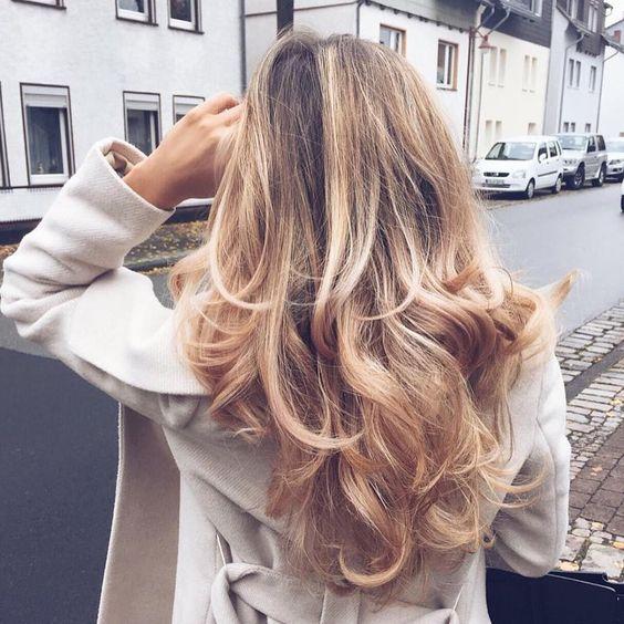 """A good hair day can make you feel like you rule the world ☺️ Anyone else feel the same?  •  @luana_tds"""