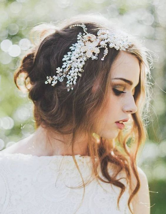 Coiffure de mariée Chignon bohème , Les plus jolies coiffures de mariées  pour s\u0027inspirer