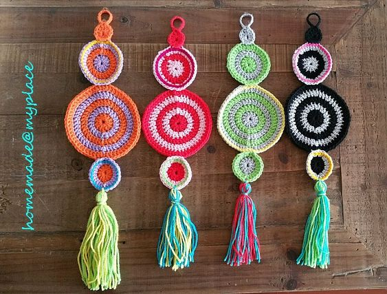Mini mandalas wall hanging free crochet pattern crochet for Crochet decorations for home