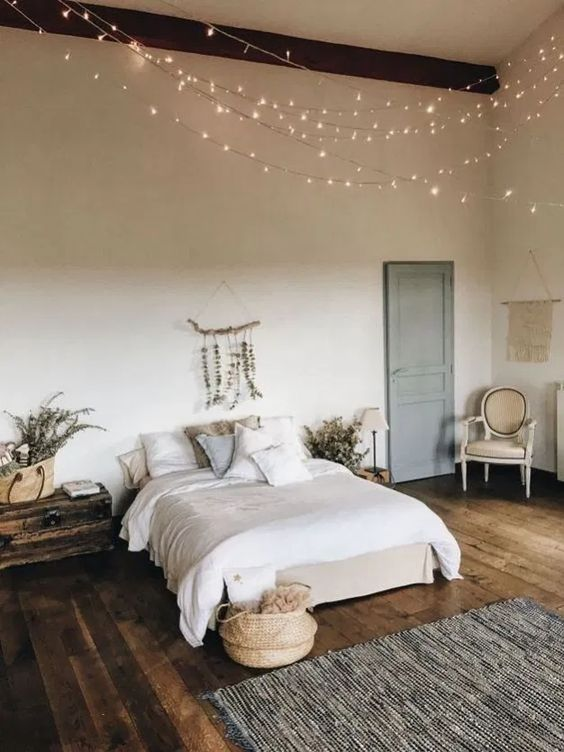 15 cozy minimalist bedroom decorating ideas 10 #bedroom #bedroomideas #minimalistbedroom #interiordesign | designirulz.com