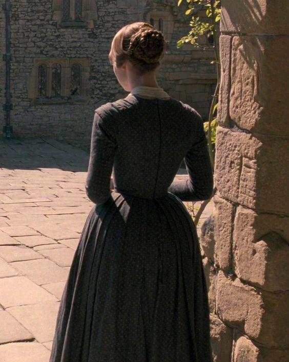 Mia Wasikowska (Jane Eyre) - Jane Eyre (2011) directed by ... | 564 x 706 jpeg 65kB