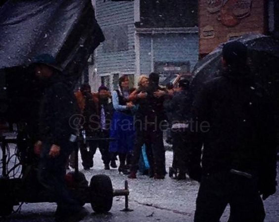 Jennifer, Josh and Elizabeth - behind the scenes - 4*10 - 22 october 2014