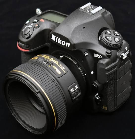 Of Course The Fact That It Offers The Standard Full Frame Professional Grade Features Is Kind Of Obvious Weather Sealing Best Nikon Camera Camera Nikon Nikon