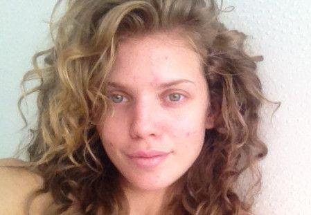 Another no-makeup actress...