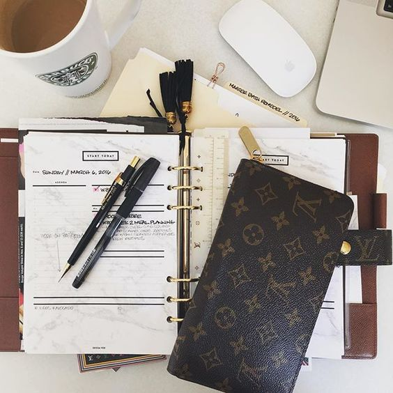 Louis Vuitton Agenda GM and Zippy Organizer via @gritandglamour