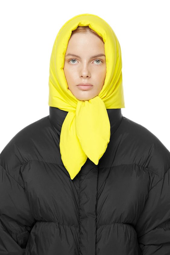 Buy IENKI IENKI Hustka Hood Scarf Lime Yellow. Filled 100% white goose down to confront the winter: light and warm. Shop now with free DHL delivery worldwide!
