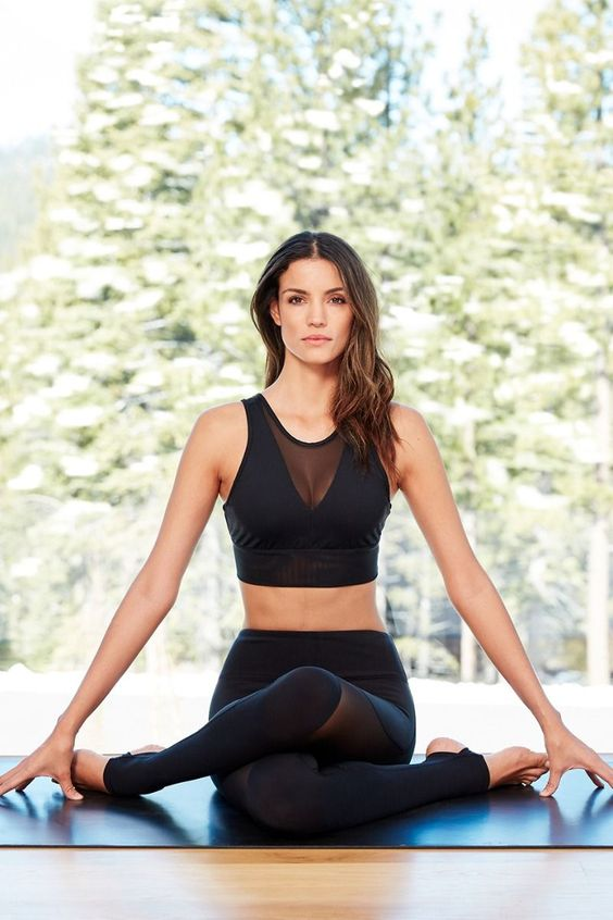 3 Pieces from Alo Yoga We're Loving