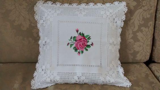 rosas em ponto cruz para almofadas - Pesquisa Google
