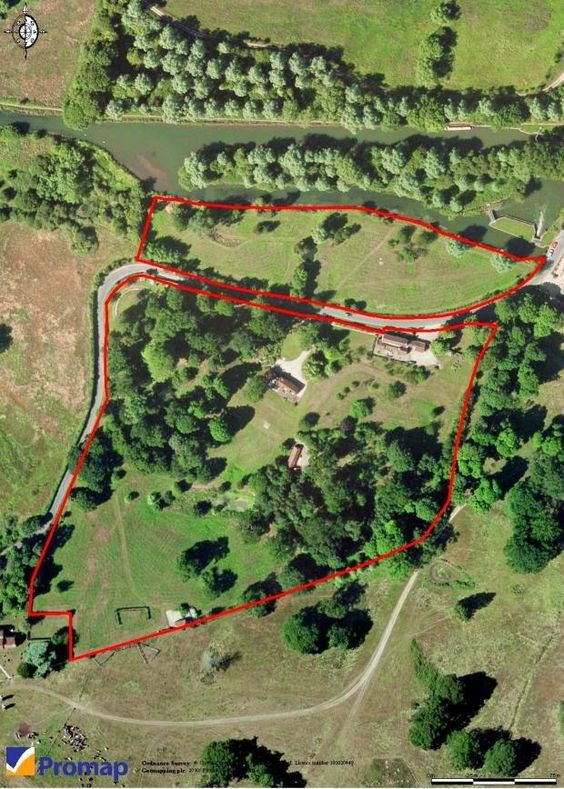 .Living the History: NEWBURY CASTLE - The Where and and the Where Not!