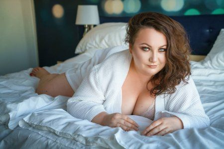 ᐈ Bikini models plus size stock pictures, Royalty Free plus size images | download on Depositphotos®