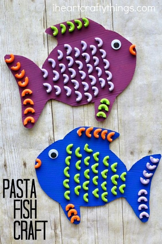 Elbows Macaroni Pasta is the perfect shape for making a fun and colorful pasta fish craft for students in a special education classroom. Great ocean kids craft, summer kids craft and works on fine motor skills as well.