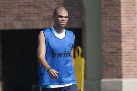 Pepe 'pasa' de fichajes: 'El año pasado ganamos la Liga los mismos'.