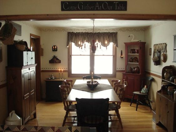 .: Country Colonial, Decor Ideas, Primitive Decorating, House Ideas, Decorating Ideas, Country Decor, Dining Room Ideas, Farmhouse Decorating, Colonial Rooms