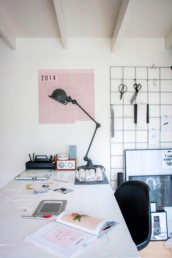 Espacio de trabajo, haz el tour completo de esta casa en el blog http://bit.ly/1qh72zP