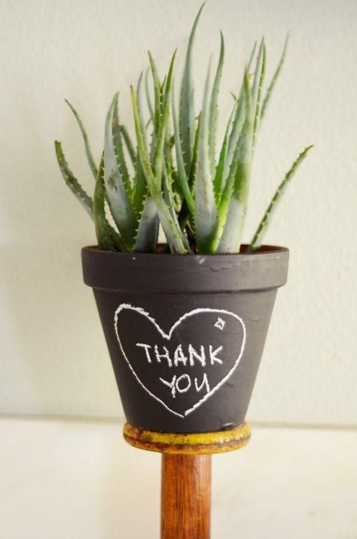 DIY Chalkboard Pots, you could write anything!: