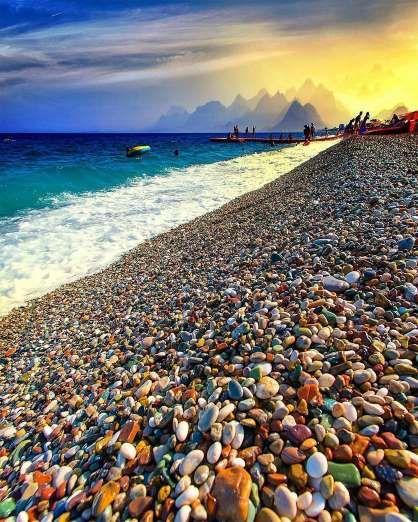 Descubra que a região de Antália pode ser um destino e tanto de férias! Quem não ama conhecer um des... - Divulgação, Instagram @burakcobankaya