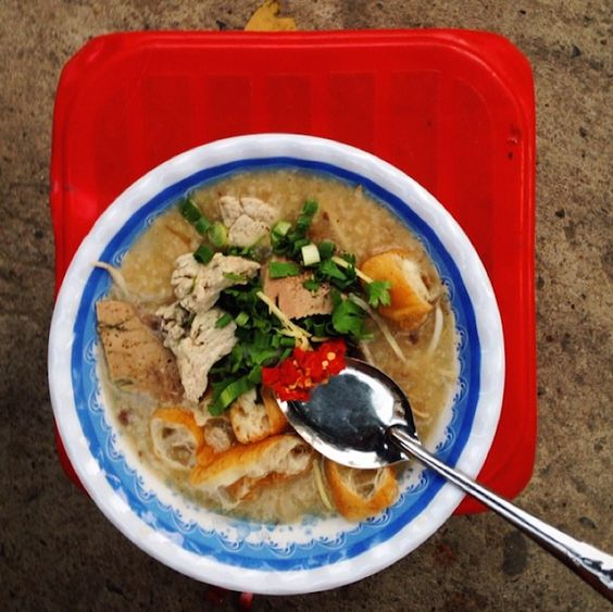 My guide to street snacks in Saigon.