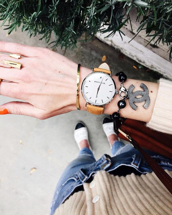 « new fav @abbottlyon suede watch  You can use code 'AliceAL25' for £25 off on any order worldwide + free shipping #AnnaNina »