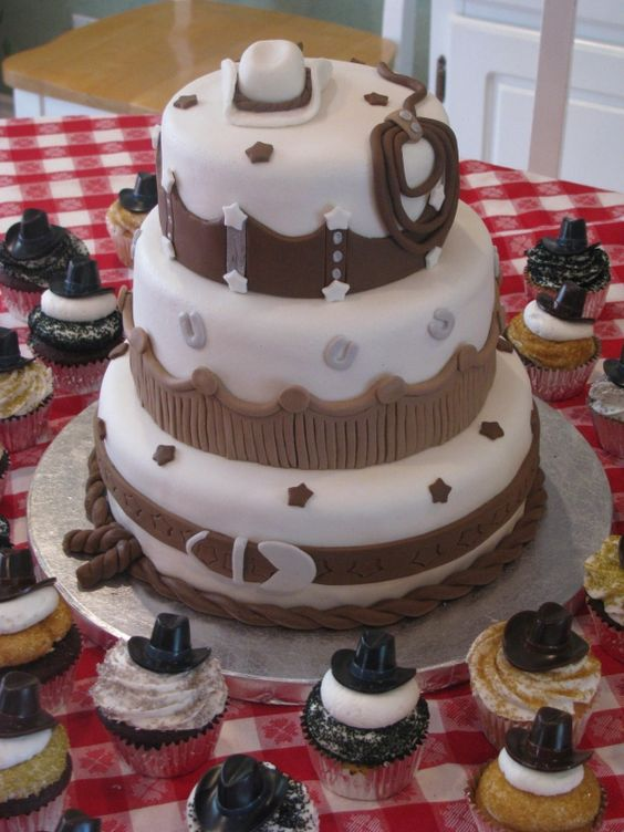 WESTERN BIRTHDAY CAKE @Lindsey Grande Neisen PLEASE!!!!!
