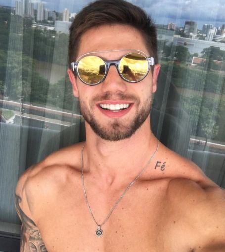 Bom dia!! Como passaram de fim de semana!? ☀️ @jonas.mbt de #MarcJacobs #envyotica #jonassulzbach #mahamudrabrasil #sunnies #oculos #sunglasses #sunglass #Boy