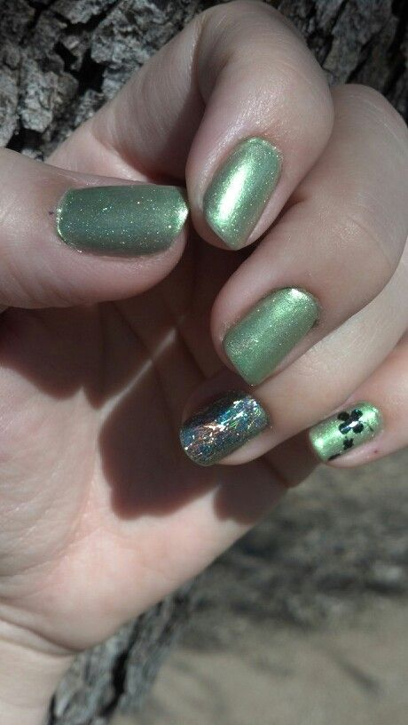 St Patties nails with Out The Doors Northern Lights top coat, and new OPI for accent finger.