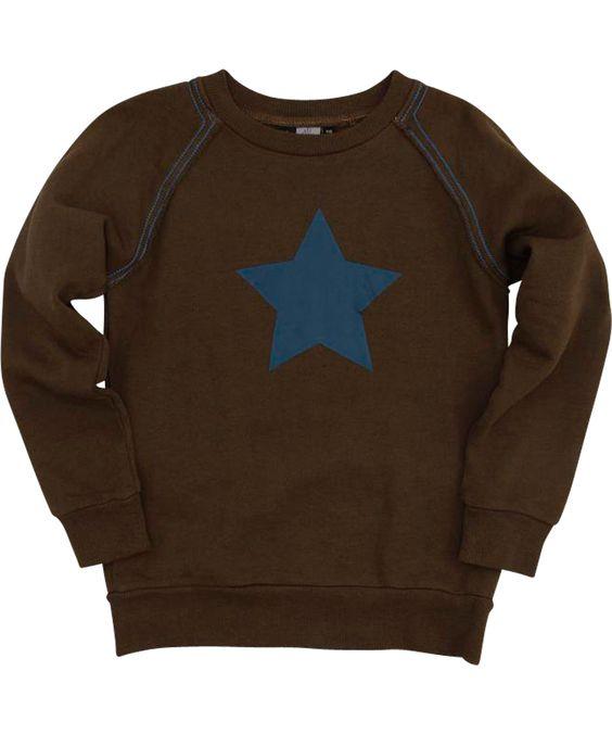 Molo funky brown sweater with big steel blue star. molo.en.emilea.be