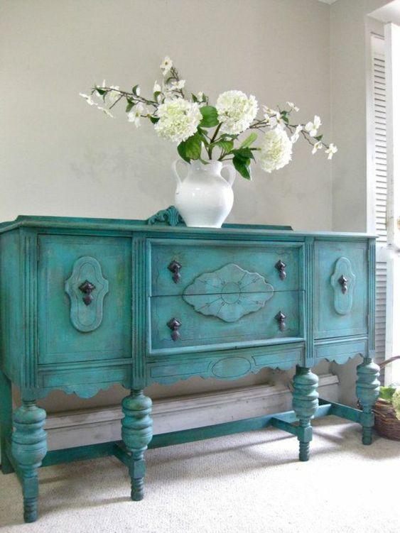 comment repeindre un meuble une nouvelle apparence comment vase and buffet. Black Bedroom Furniture Sets. Home Design Ideas