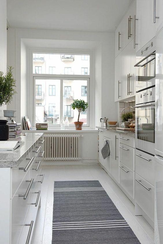 Küche Skandinavisch Einrichten Teppihläufer Grau Weiß Muster · Kitchen  Dining InteriorNordic KitchenDeco ...