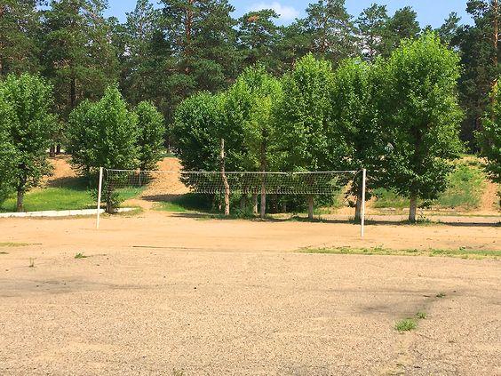 Волейбольная сетка на спортивном комплексе СибВО. Фото: Evgenia Shveda