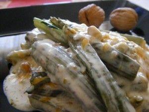 Pencas de acelgas con salsa de nueces y pistachos