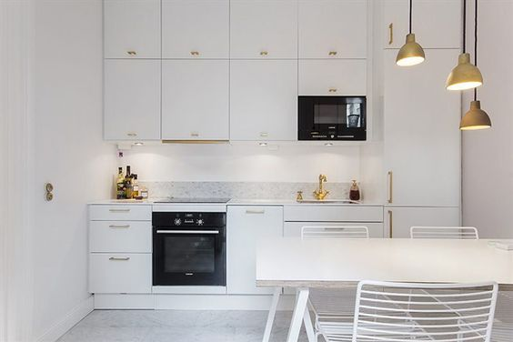 WhyteLiljaB&Bsweden4700 Toldbold m?ssing  Kitchen K?k