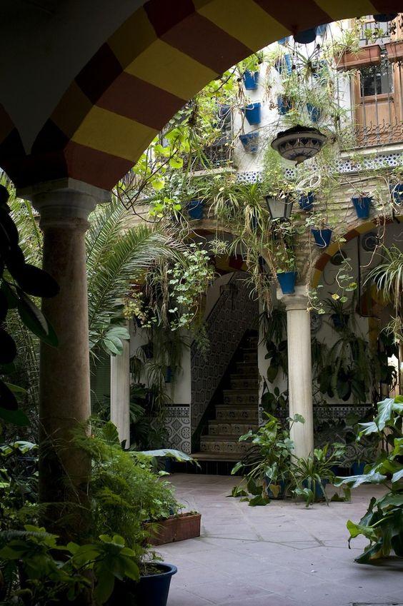 Patios en Andalucia, hermoso, romantico, sueño. www.posada-laplaza.com:
