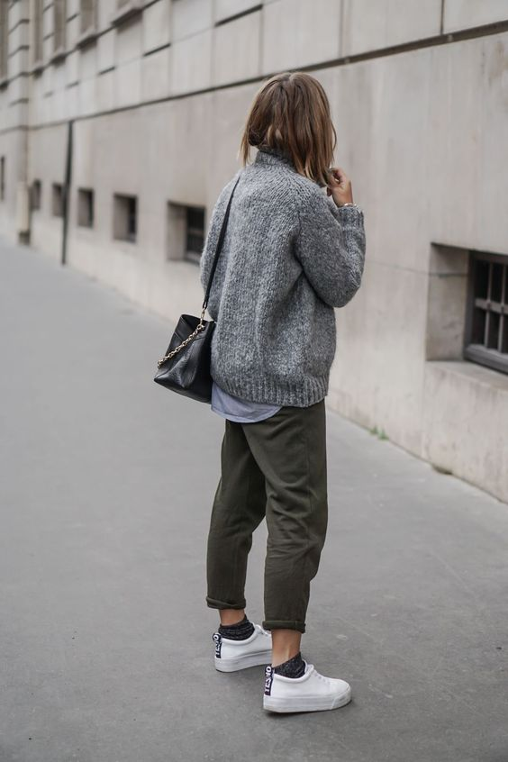 Camille / 4 janvier 2016Knit sweater and joggingKnit sweater and jogging | NOHOLITA: