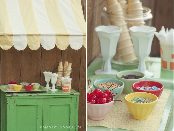 Everyone knows I love to plan a party.....a vintage ice cream party makes it that much better