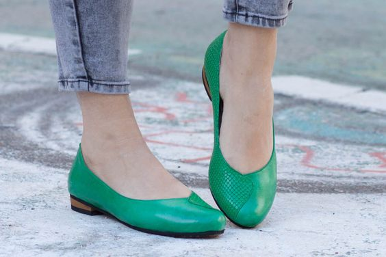 Leather Shoes, Green Shoes, Flat Shoes, Leather Ballerina Shoes, Leather Flats, Ballerinas, Slip-ons, Lulu , Free Shipping by BangiShop on Etsy https://www.etsy.com/uk/listing/199400819/leather-shoes-green-shoes-flat-shoes