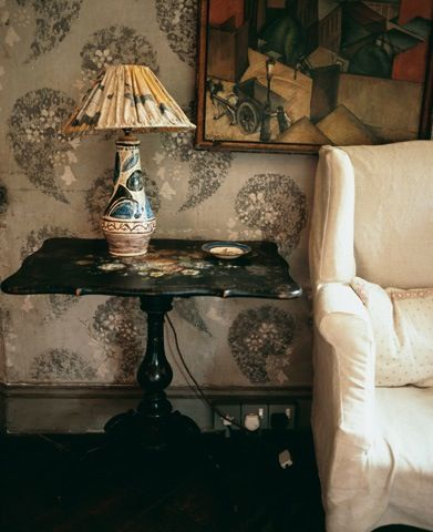 Hand-painted patterned walls instead of wallpaper,