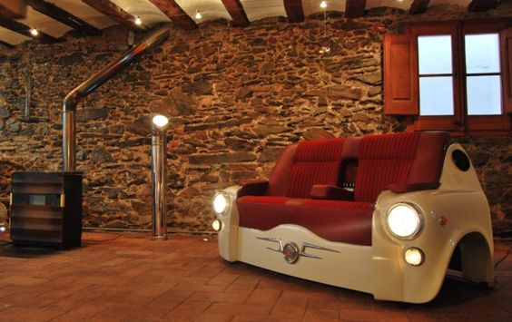 Cooles Sofa für Autofans.