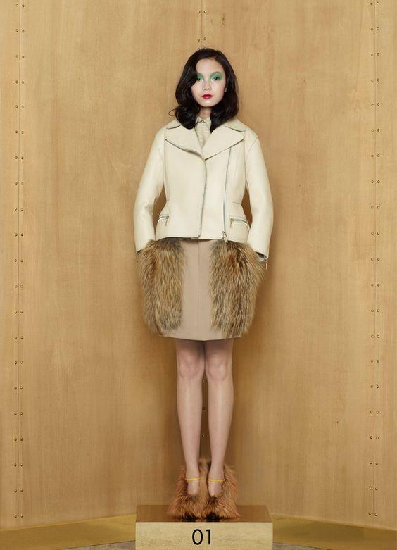 Louis Vuitton Pre-Fall 2012 - Runway Photos - Vogue