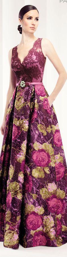 Estampado de flores, escote en v encaje Patricia Avendano -- Loveliness!: