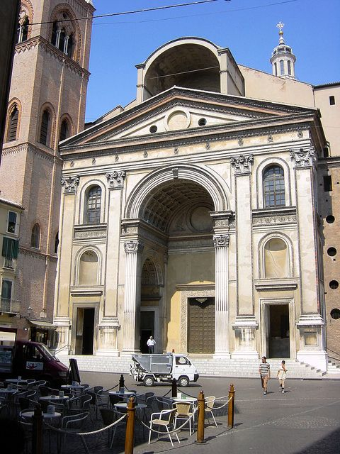 Basilica Sant' Andrea di Mantova. Leone Battista Alberti, begun in 1472: 211 Sant, Arc141, Leon Battista Alberti, Alberti Begun, Alberti 1404 1472, 28 Mantova, Alberti 1470, Photo