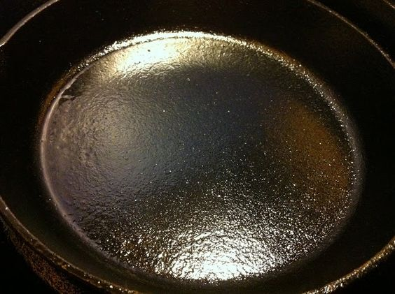 Derek on Cast Iron - Cast Iron Recipes: Article: Seasoning Cast Iron Cookware