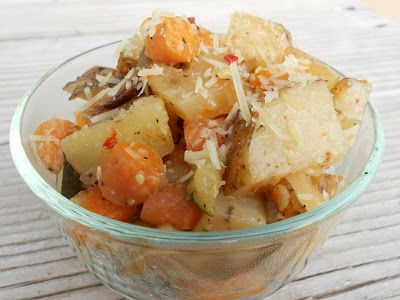 Quick and easy Oven-Roasted Vegetables- one of our favorite side dishes! SixSistersStuff.com #vegetables #sidedish
