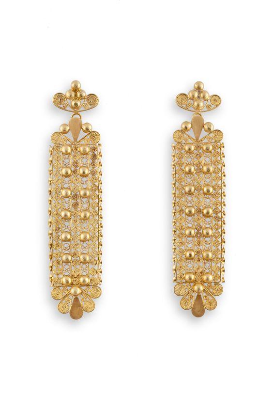 I LIKE THESE EARRINGS SO MUCH. Gold filigree, handcrafted by Loredana Mandas, expert in fine filigree jewelry loredanamandas.com